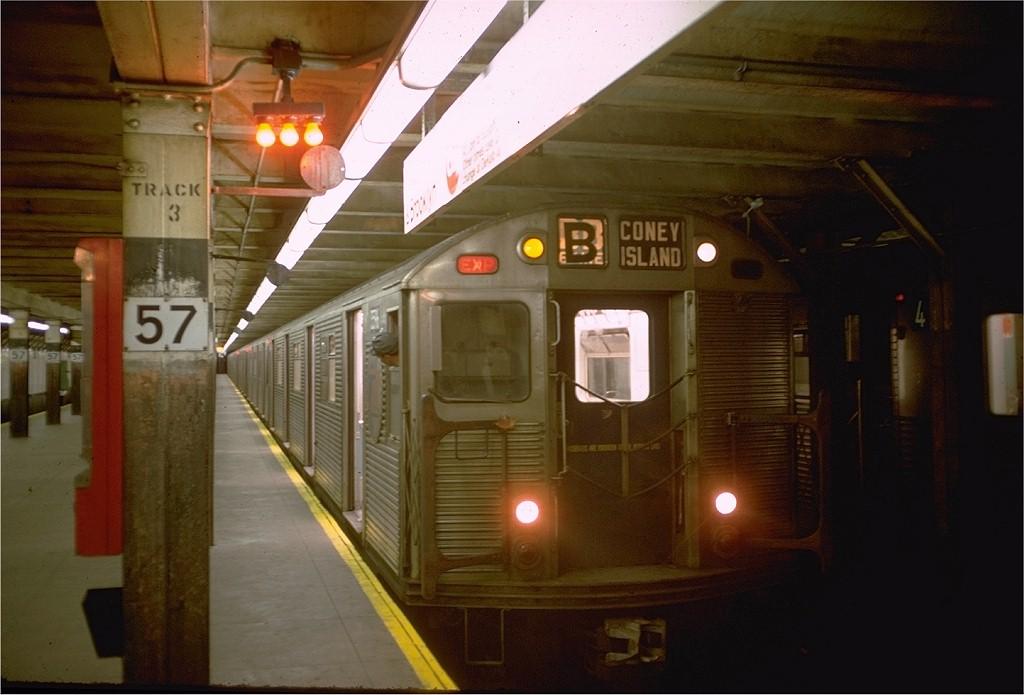 (151k, 1024x695)<br><b>Country:</b> United States<br><b>City:</b> New York<br><b>System:</b> New York City Transit<br><b>Line:</b> BMT Broadway Line<br><b>Location:</b> 57th Street <br><b>Route:</b> B<br><b>Car:</b> R-32 (Budd, 1964)  3569 <br><b>Photo by:</b> Doug Grotjahn<br><b>Collection of:</b> Joe Testagrose<br><b>Date:</b> 10/27/1968<br><b>Viewed (this week/total):</b> 3 / 3975