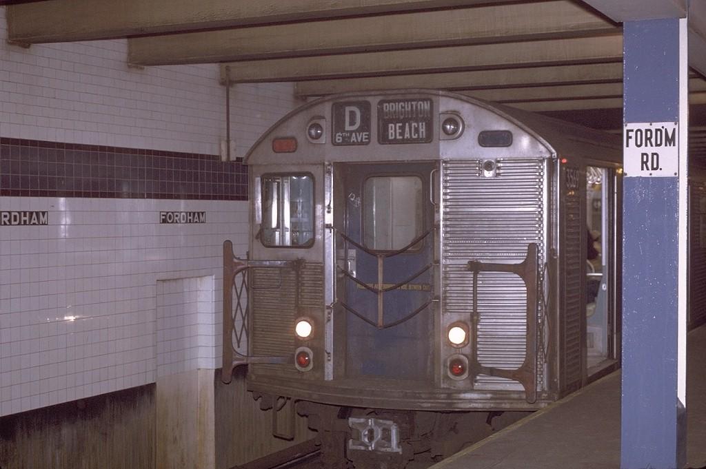 (170k, 1024x681)<br><b>Country:</b> United States<br><b>City:</b> New York<br><b>System:</b> New York City Transit<br><b>Line:</b> IND Concourse Line<br><b>Location:</b> Fordham Road <br><b>Route:</b> D<br><b>Car:</b> R-32 (Budd, 1964)  3569 <br><b>Photo by:</b> Joe Testagrose<br><b>Date:</b> 12/31/1970<br><b>Viewed (this week/total):</b> 0 / 3795