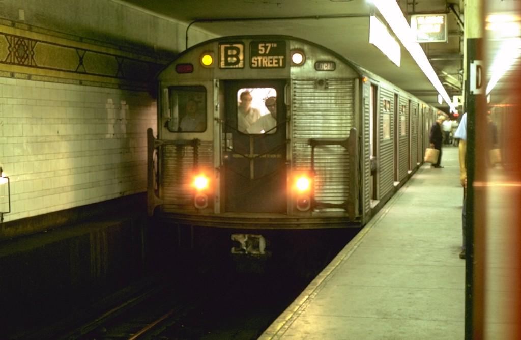 (134k, 1024x668)<br><b>Country:</b> United States<br><b>City:</b> New York<br><b>System:</b> New York City Transit<br><b>Location:</b> DeKalb Avenue<br><b>Route:</b> B<br><b>Car:</b> R-32 (Budd, 1964)  3569 <br><b>Photo by:</b> Joe Testagrose<br><b>Date:</b> 8/10/1969<br><b>Viewed (this week/total):</b> 2 / 4024