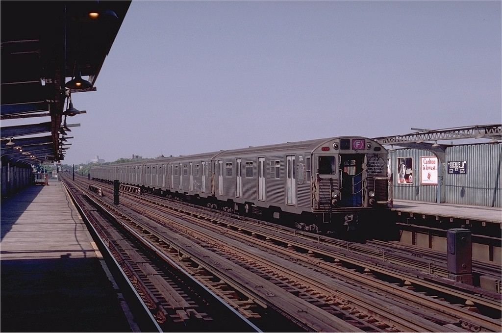 (185k, 1024x679)<br><b>Country:</b> United States<br><b>City:</b> New York<br><b>System:</b> New York City Transit<br><b>Line:</b> BMT Culver Line<br><b>Location:</b> Avenue U <br><b>Route:</b> F<br><b>Car:</b> R-32 (Budd, 1964)  3574 <br><b>Photo by:</b> Joe Testagrose<br><b>Date:</b> 7/4/1980<br><b>Viewed (this week/total):</b> 0 / 4213