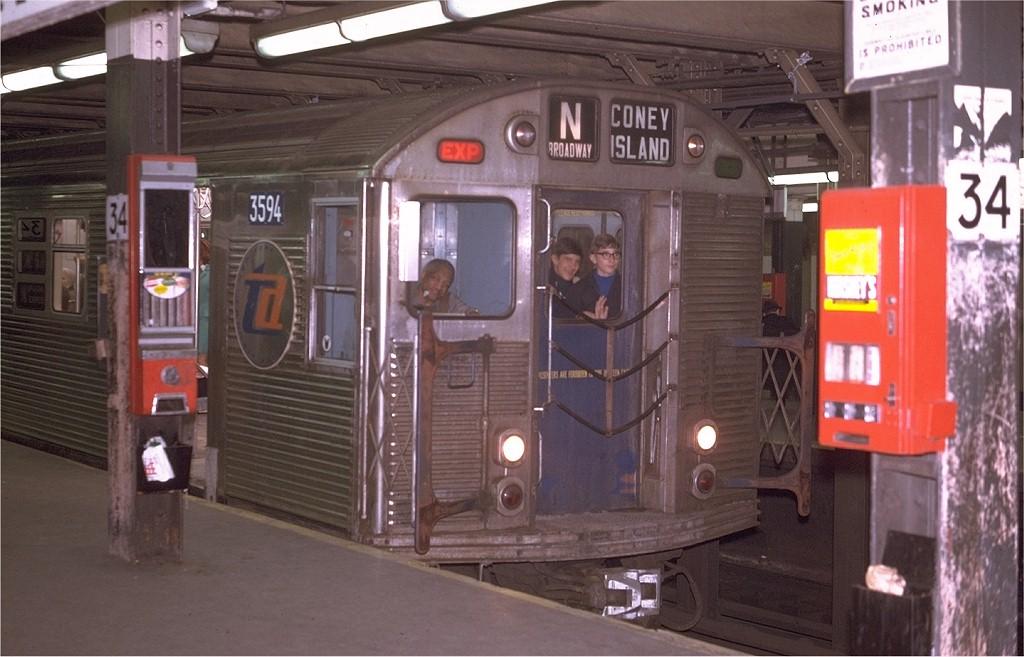 (172k, 1024x657)<br><b>Country:</b> United States<br><b>City:</b> New York<br><b>System:</b> New York City Transit<br><b>Line:</b> BMT Broadway Line<br><b>Location:</b> 34th Street/Herald Square <br><b>Route:</b> N<br><b>Car:</b> R-32 (Budd, 1964)  3594 <br><b>Photo by:</b> Joe Testagrose<br><b>Date:</b> 4/21/1970<br><b>Viewed (this week/total):</b> 6 / 6182