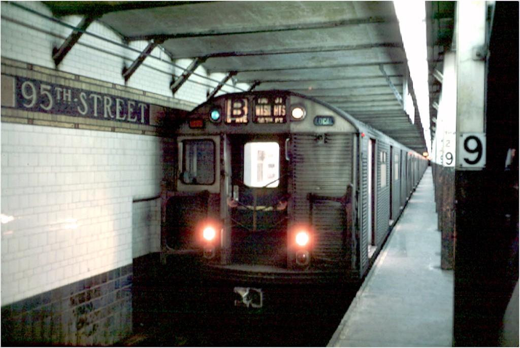 (172k, 1024x686)<br><b>Country:</b> United States<br><b>City:</b> New York<br><b>System:</b> New York City Transit<br><b>Line:</b> BMT 4th Avenue<br><b>Location:</b> 95th Street/Fort Hamilton <br><b>Route:</b> B<br><b>Car:</b> R-32 (Budd, 1964)  3633 <br><b>Photo by:</b> Doug Grotjahn<br><b>Collection of:</b> Joe Testagrose<br><b>Date:</b> 2/10/1969<br><b>Viewed (this week/total):</b> 4 / 7404