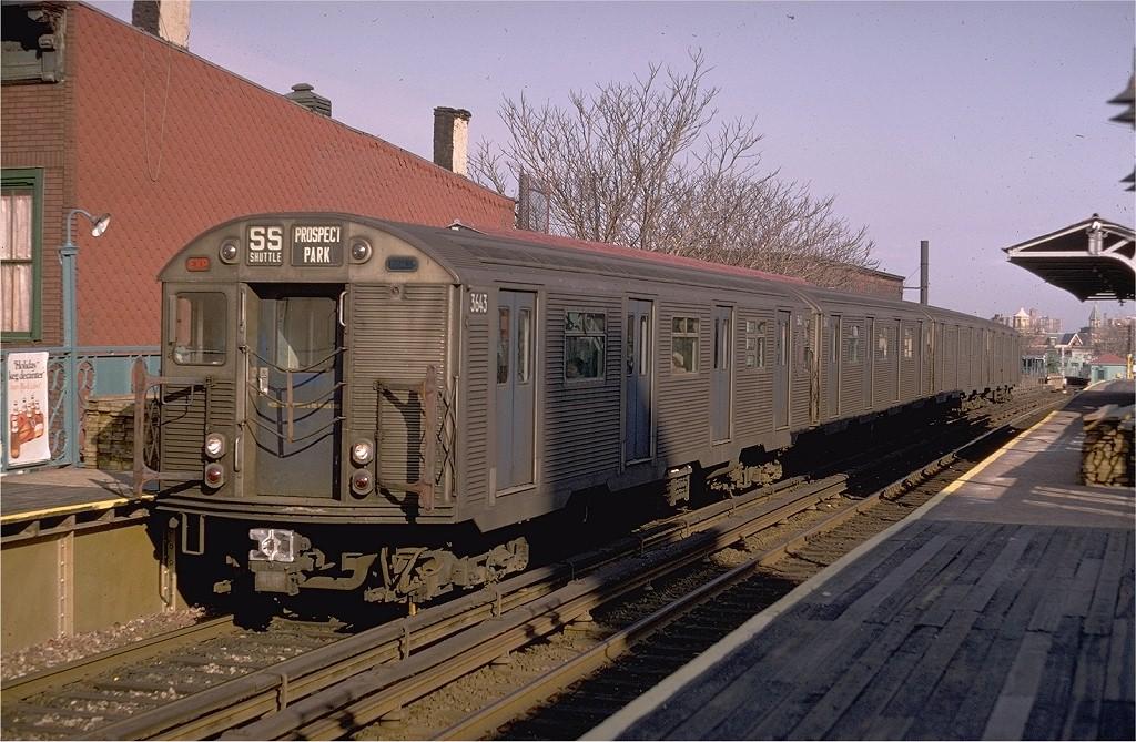 (229k, 1024x669)<br><b>Country:</b> United States<br><b>City:</b> New York<br><b>System:</b> New York City Transit<br><b>Line:</b> BMT Franklin<br><b>Location:</b> Dean Street <br><b>Route:</b> Franklin Shuttle<br><b>Car:</b> R-32 (Budd, 1964)  3643 <br><b>Photo by:</b> Doug Grotjahn<br><b>Collection of:</b> Joe Testagrose<br><b>Date:</b> 1/26/1969<br><b>Viewed (this week/total):</b> 0 / 4943