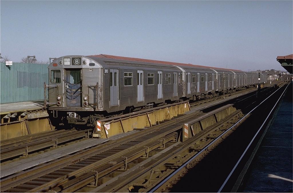 (217k, 1024x677)<br><b>Country:</b> United States<br><b>City:</b> New York<br><b>System:</b> New York City Transit<br><b>Line:</b> BMT West End Line<br><b>Location:</b> 79th Street <br><b>Route:</b> B<br><b>Car:</b> R-32 (Budd, 1964)  3693 <br><b>Photo by:</b> Doug Grotjahn<br><b>Collection of:</b> Joe Testagrose<br><b>Date:</b> 11/29/1974<br><b>Viewed (this week/total):</b> 0 / 4648