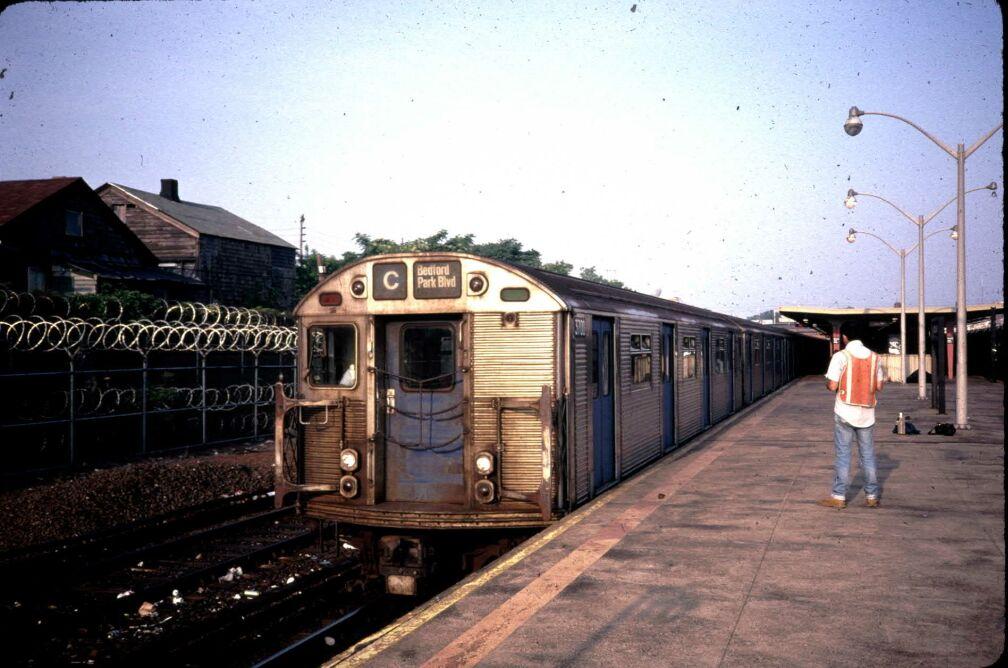 (112k, 1008x668)<br><b>Country:</b> United States<br><b>City:</b> New York<br><b>System:</b> New York City Transit<br><b>Line:</b> IND Rockaway<br><b>Location:</b> Rockaway Park/Beach 116th Street <br><b>Route:</b> C<br><b>Car:</b> R-32 (Budd, 1964)  3700 <br><b>Photo by:</b> Glenn L. Rowe<br><b>Date:</b> 6/1989<br><b>Viewed (this week/total):</b> 0 / 5855