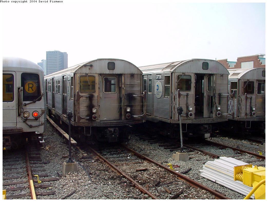 (144k, 1044x788)<br><b>Country:</b> United States<br><b>City:</b> New York<br><b>System:</b> New York City Transit<br><b>Location:</b> Jamaica Yard/Shops<br><b>Car:</b> R-32 (Budd, 1964) 3728 <br><b>Photo by:</b> David Pirmann<br><b>Date:</b> 8/27/2000<br><b>Viewed (this week/total):</b> 3 / 8001