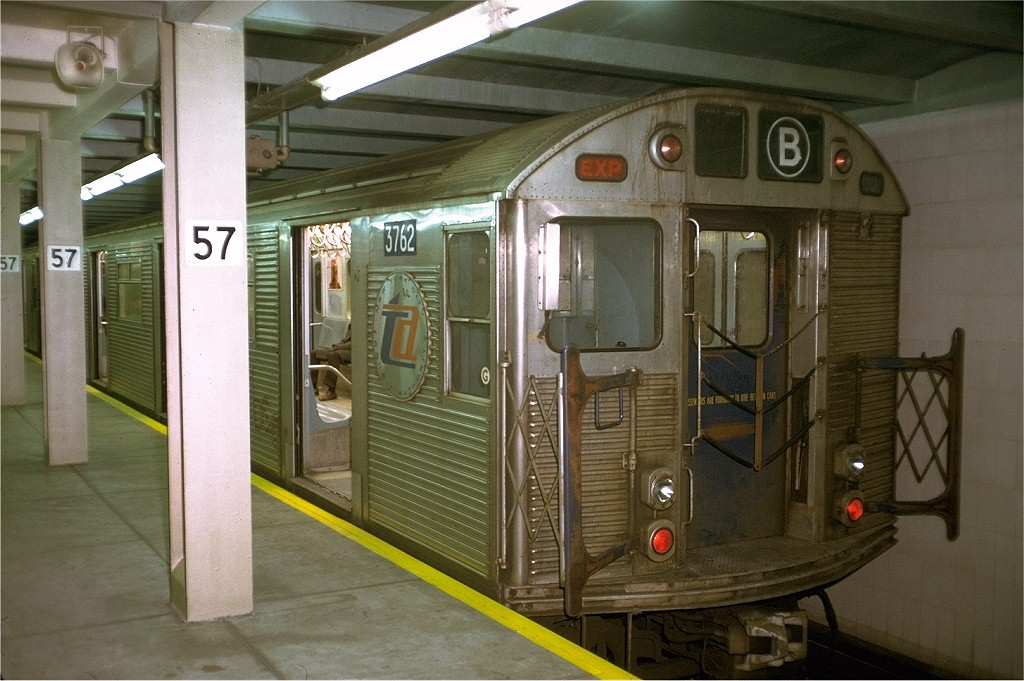 (196k, 1024x681)<br><b>Country:</b> United States<br><b>City:</b> New York<br><b>System:</b> New York City Transit<br><b>Line:</b> IND 6th Avenue Line<br><b>Location:</b> 57th Street <br><b>Route:</b> B<br><b>Car:</b> R-32 (Budd, 1964)  3762 <br><b>Collection of:</b> Joe Testagrose<br><b>Date:</b> 12/7/1972<br><b>Viewed (this week/total):</b> 10 / 4252