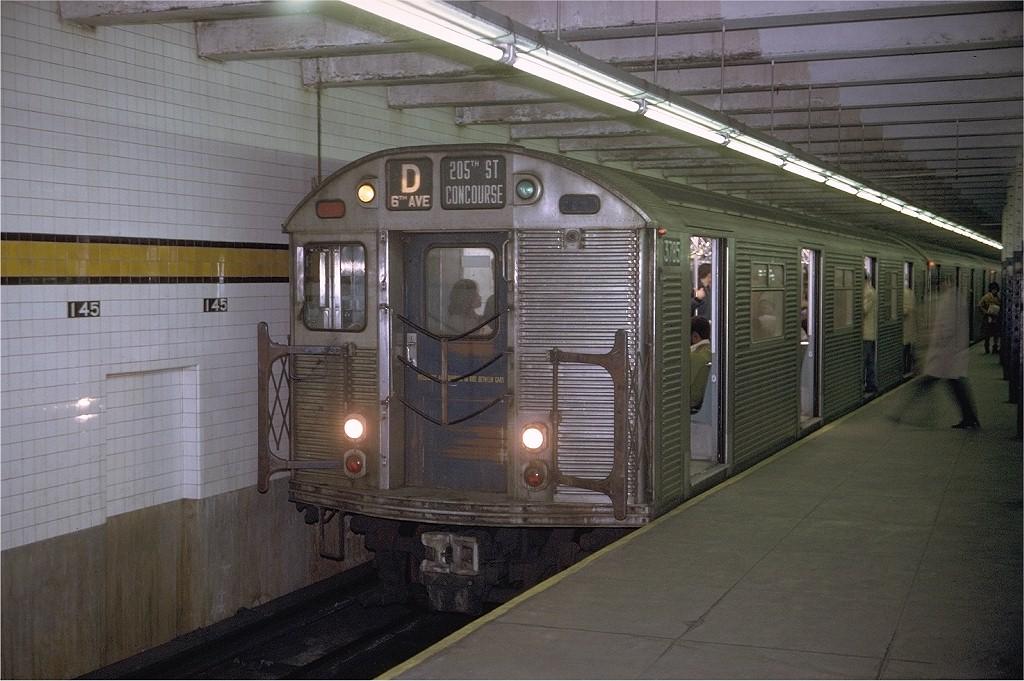 (199k, 1024x681)<br><b>Country:</b> United States<br><b>City:</b> New York<br><b>System:</b> New York City Transit<br><b>Line:</b> IND 8th Avenue Line<br><b>Location:</b> 145th Street <br><b>Route:</b> D<br><b>Car:</b> R-32 (Budd, 1964)  3785 <br><b>Photo by:</b> Joe Testagrose<br><b>Date:</b> 11/29/1970<br><b>Viewed (this week/total):</b> 0 / 5008