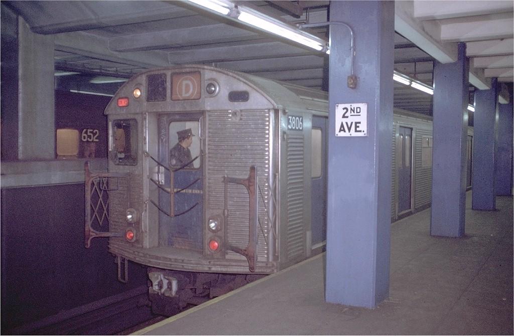 (191k, 1024x670)<br><b>Country:</b> United States<br><b>City:</b> New York<br><b>System:</b> New York City Transit<br><b>Line:</b> IND 6th Avenue Line<br><b>Location:</b> 2nd Avenue <br><b>Route:</b> D<br><b>Car:</b> R-32 (Budd, 1964)  3806 <br><b>Photo by:</b> Doug Grotjahn<br><b>Collection of:</b> Joe Testagrose<br><b>Date:</b> 1/6/1972<br><b>Viewed (this week/total):</b> 4 / 6407