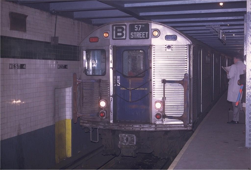 (178k, 1024x695)<br><b>Country:</b> United States<br><b>City:</b> New York<br><b>System:</b> New York City Transit<br><b>Line:</b> IND 6th Avenue Line<br><b>Location:</b> West 4th Street/Washington Square <br><b>Route:</b> B<br><b>Car:</b> R-32 (Budd, 1964)  3807 <br><b>Photo by:</b> Joe Testagrose<br><b>Date:</b> 4/24/1970<br><b>Viewed (this week/total):</b> 2 / 4241