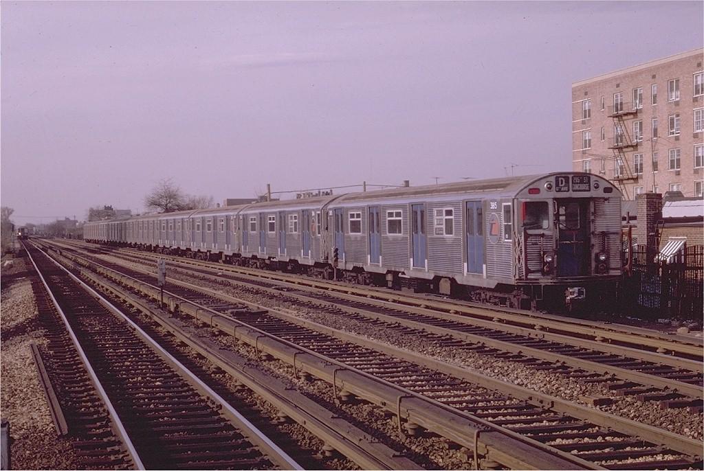 (221k, 1024x686)<br><b>Country:</b> United States<br><b>City:</b> New York<br><b>System:</b> New York City Transit<br><b>Line:</b> BMT Brighton Line<br><b>Location:</b> Avenue U <br><b>Route:</b> D<br><b>Car:</b> R-32 (Budd, 1964)  3815 <br><b>Photo by:</b> Joe Testagrose<br><b>Date:</b> 4/19/1970<br><b>Viewed (this week/total):</b> 1 / 3933