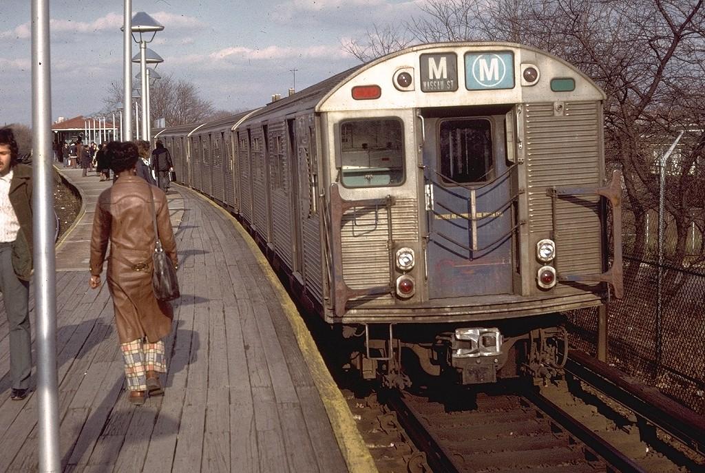 (276k, 1024x687)<br><b>Country:</b> United States<br><b>City:</b> New York<br><b>System:</b> New York City Transit<br><b>Line:</b> BMT Brighton Line<br><b>Location:</b> Sheepshead Bay <br><b>Route:</b> M<br><b>Car:</b> R-32 (Budd, 1964)  3833 <br><b>Photo by:</b> Doug Grotjahn<br><b>Collection of:</b> Joe Testagrose<br><b>Date:</b> 12/12/1973<br><b>Viewed (this week/total):</b> 2 / 5735