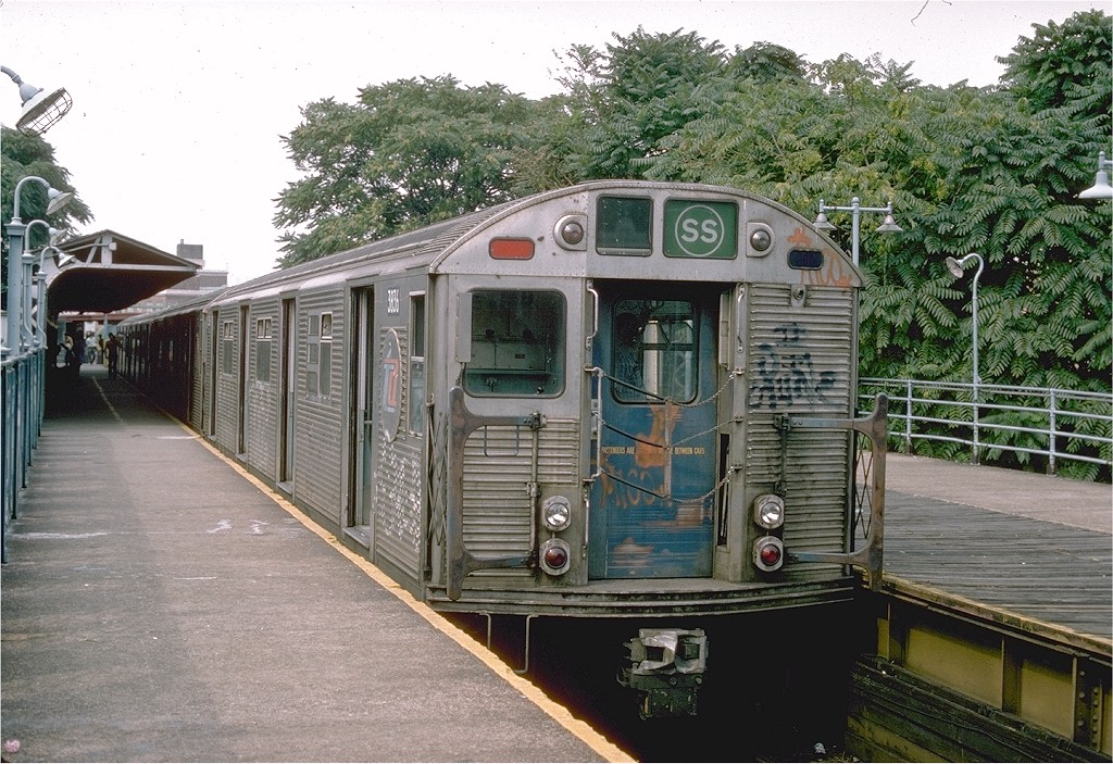 (260k, 1024x703)<br><b>Country:</b> United States<br><b>City:</b> New York<br><b>System:</b> New York City Transit<br><b>Line:</b> BMT Franklin<br><b>Location:</b> Franklin Avenue <br><b>Route:</b> Franklin Shuttle<br><b>Car:</b> R-32 (Budd, 1964)  3836 <br><b>Photo by:</b> Ed McKernan<br><b>Collection of:</b> Joe Testagrose<br><b>Date:</b> 8/1975<br><b>Viewed (this week/total):</b> 13 / 4542
