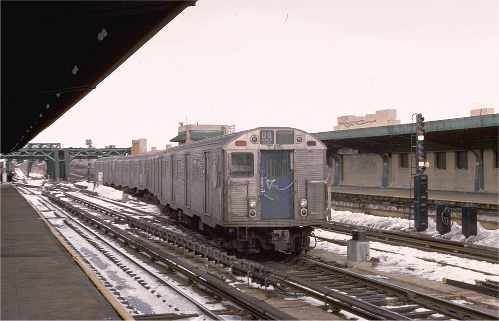 (162k, 1024x660)<br><b>Country:</b> United States<br><b>City:</b> New York<br><b>System:</b> New York City Transit<br><b>Line:</b> IND Crosstown Line<br><b>Location:</b> 4th Avenue <br><b>Route:</b> GG<br><b>Car:</b> R-32 (Budd, 1964)  3859 <br><b>Collection of:</b> Joe Testagrose<br><b>Date:</b> 2/12/1978<br><b>Viewed (this week/total):</b> 2 / 6662