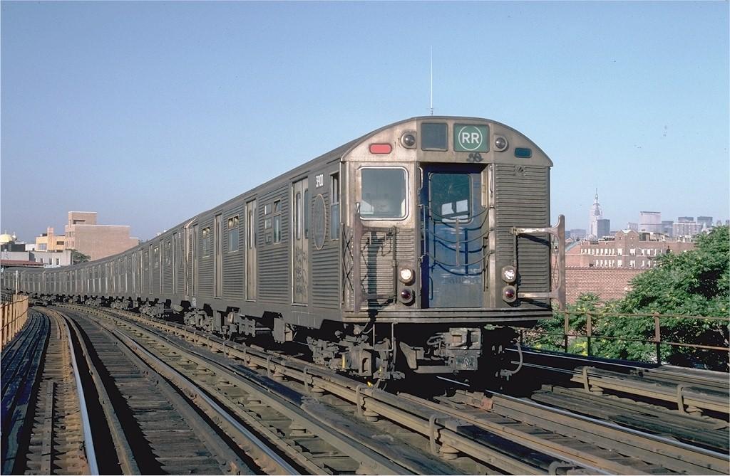 (206k, 1024x669)<br><b>Country:</b> United States<br><b>City:</b> New York<br><b>System:</b> New York City Transit<br><b>Line:</b> BMT Astoria Line<br><b>Location:</b> 30th/Grand Aves. <br><b>Car:</b> R-32 (Budd, 1964)  3900 <br><b>Photo by:</b> Steve Zabel<br><b>Collection of:</b> Joe Testagrose<br><b>Date:</b> 7/29/1982<br><b>Viewed (this week/total):</b> 0 / 5349