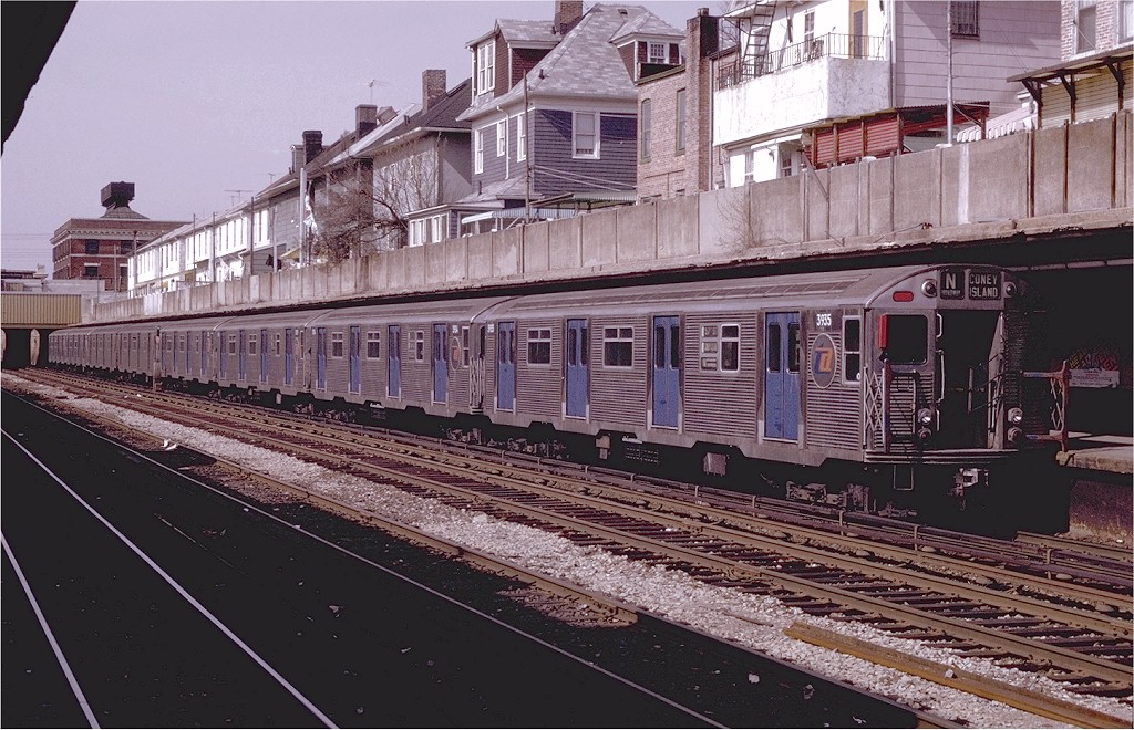 (236k, 1024x660)<br><b>Country:</b> United States<br><b>City:</b> New York<br><b>System:</b> New York City Transit<br><b>Line:</b> BMT Sea Beach Line<br><b>Location:</b> Avenue U <br><b>Route:</b> N<br><b>Car:</b> R-32 (Budd, 1964)  3935 <br><b>Photo by:</b> Joe Testagrose<br><b>Date:</b> 4/19/1970<br><b>Viewed (this week/total):</b> 3 / 5002