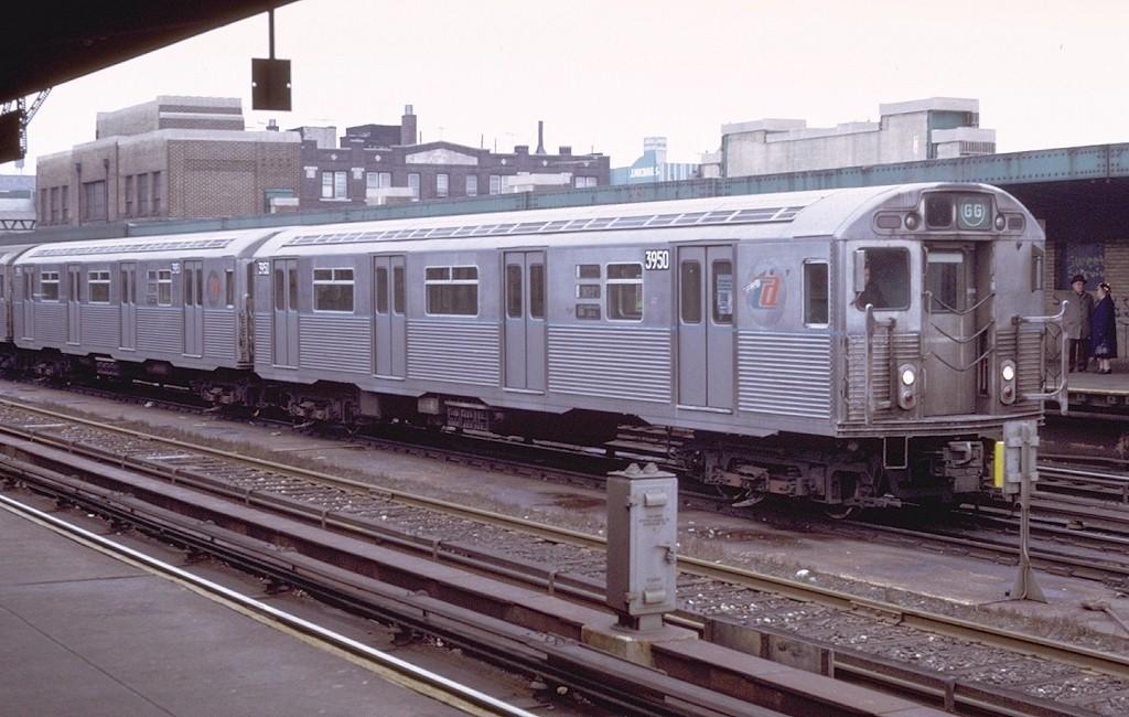 (184k, 1024x650)<br><b>Country:</b> United States<br><b>City:</b> New York<br><b>System:</b> New York City Transit<br><b>Line:</b> IND Crosstown Line<br><b>Location:</b> 4th Avenue <br><b>Route:</b> GG<br><b>Car:</b> R-38 (St. Louis, 1966-1967)  3950 <br><b>Photo by:</b> Doug Grotjahn<br><b>Collection of:</b> Joe Testagrose<br><b>Date:</b> 12/26/1971<br><b>Viewed (this week/total):</b> 3 / 4693