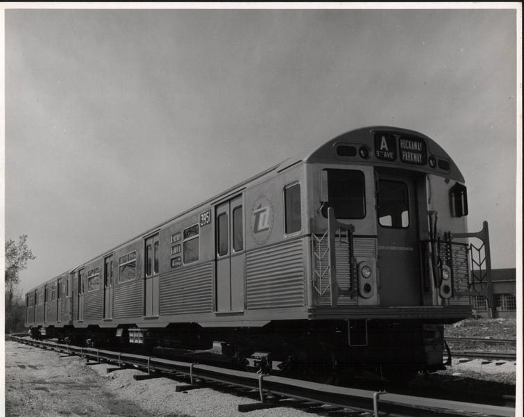 (49k, 755x600)<br><b>Country:</b> United States<br><b>City:</b> New York<br><b>System:</b> New York City Transit<br><b>Location:</b> St. Louis Car Co. Plant<br><b>Car:</b> R-38 (St. Louis, 1966-1967)  3951 <br><b>Collection of:</b> Phil Hom<br><b>Viewed (this week/total):</b> 4 / 3101