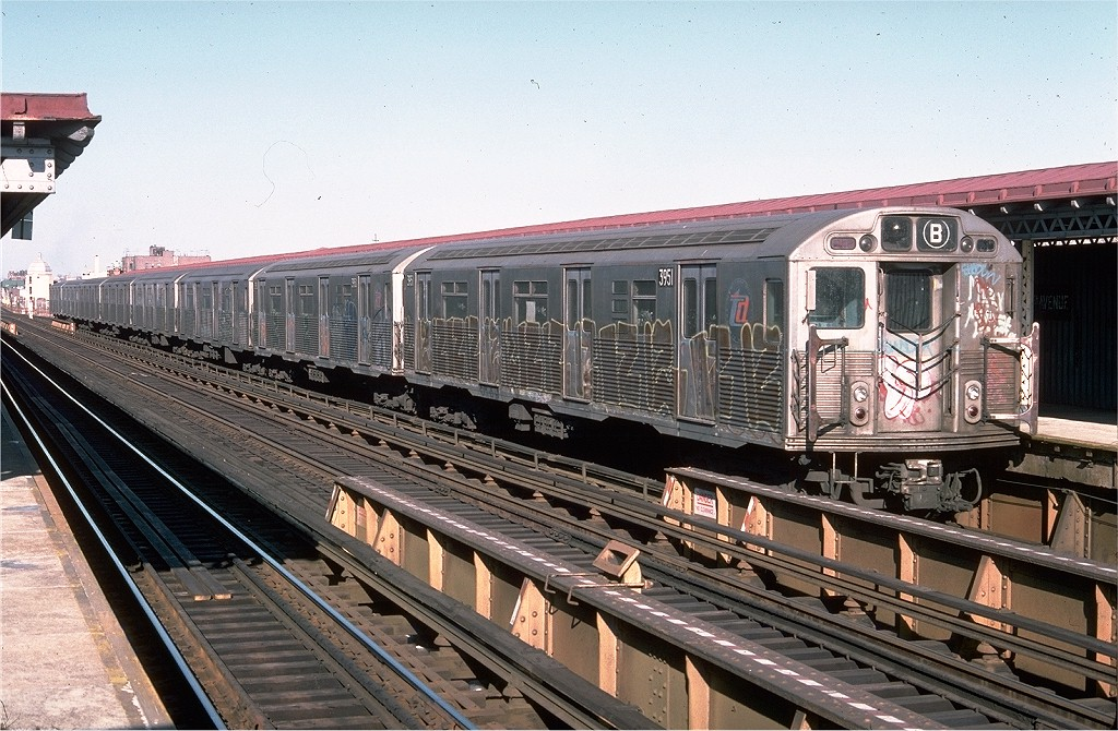 (241k, 1024x670)<br><b>Country:</b> United States<br><b>City:</b> New York<br><b>System:</b> New York City Transit<br><b>Line:</b> BMT West End Line<br><b>Location:</b> 25th Avenue <br><b>Route:</b> B<br><b>Car:</b> R-38 (St. Louis, 1966-1967)  3951 <br><b>Photo by:</b> Doug Grotjahn<br><b>Collection of:</b> Joe Testagrose<br><b>Date:</b> 1/30/1977<br><b>Viewed (this week/total):</b> 4 / 5606