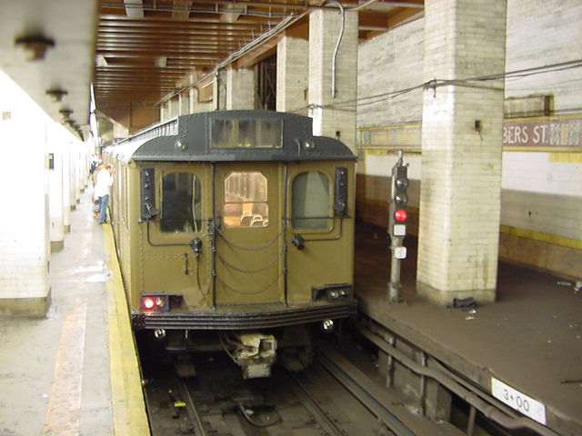 (60k, 640x480)<br><b>Country:</b> United States<br><b>City:</b> New York<br><b>System:</b> New York City Transit<br><b>Line:</b> BMT Nassau Street/Jamaica Line<br><b>Location:</b> Chambers Street <br><b>Route:</b> Fan Trip<br><b>Car:</b> BMT D-Type Triplex 6112 <br><b>Photo by:</b> Salaam Allah<br><b>Date:</b> 9/22/2002<br><b>Viewed (this week/total):</b> 3 / 4681