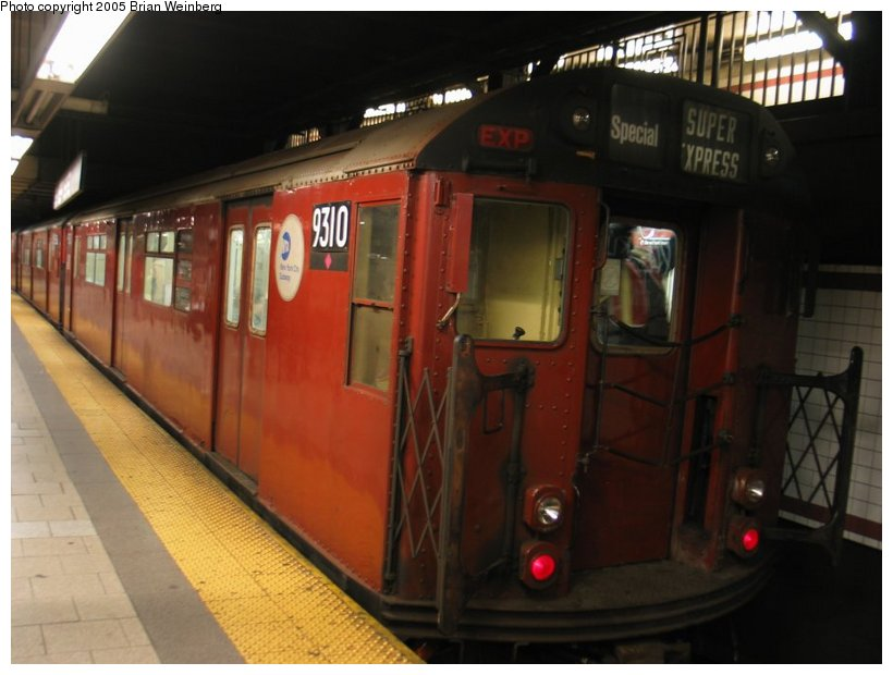 (86k, 820x620)<br><b>Country:</b> United States<br><b>City:</b> New York<br><b>System:</b> New York City Transit<br><b>Line:</b> IRT East Side Line<br><b>Location:</b> Brooklyn Bridge/City Hall <br><b>Route:</b> Fan Trip<br><b>Car:</b> R-33 World's Fair (St. Louis, 1963-64) 9310 <br><b>Photo by:</b> Brian Weinberg<br><b>Date:</b> 12/21/2003<br><b>Viewed (this week/total):</b> 2 / 4282