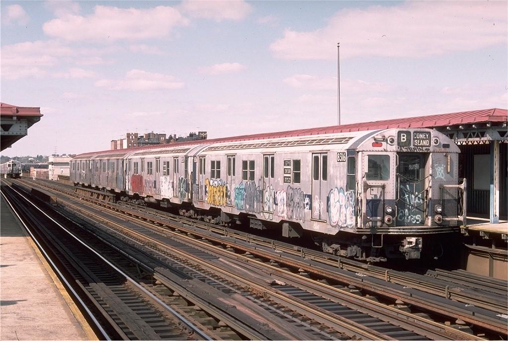 (222k, 1024x689)<br><b>Country:</b> United States<br><b>City:</b> New York<br><b>System:</b> New York City Transit<br><b>Line:</b> BMT West End Line<br><b>Location:</b> 20th Avenue <br><b>Route:</b> B<br><b>Car:</b> R-30 (St. Louis, 1961) 8316 <br><b>Photo by:</b> Doug Grotjahn<br><b>Collection of:</b> Joe Testagrose<br><b>Date:</b> 10/10/1976<br><b>Viewed (this week/total):</b> 3 / 3573