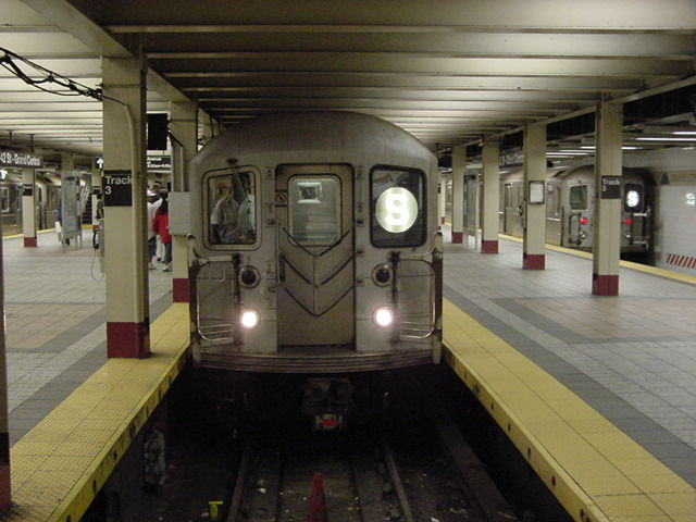 (59k, 640x480)<br><b>Country:</b> United States<br><b>City:</b> New York<br><b>System:</b> New York City Transit<br><b>Line:</b> IRT Times Square-Grand Central Shuttle<br><b>Location:</b> Grand Central <br><b>Route:</b> S<br><b>Car:</b> R-62A (Bombardier, 1984-1987)   <br><b>Photo by:</b> Salaam Allah<br><b>Date:</b> 9/23/2002<br><b>Viewed (this week/total):</b> 3 / 3509