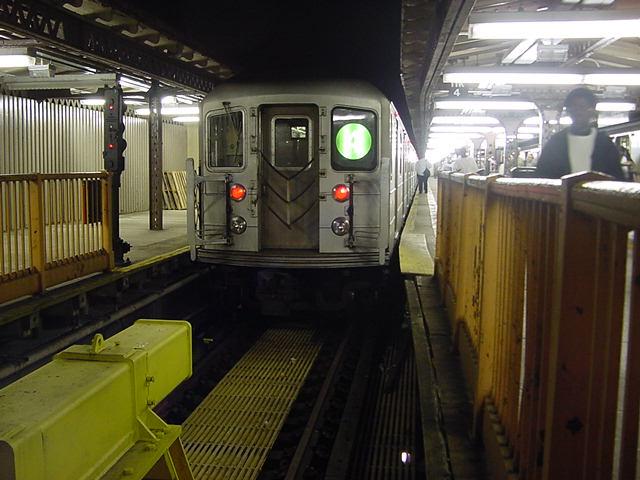 (60k, 640x480)<br><b>Country:</b> United States<br><b>City:</b> New York<br><b>System:</b> New York City Transit<br><b>Line:</b> IRT Woodlawn Line<br><b>Location:</b> Woodlawn <br><b>Route:</b> 4<br><b>Car:</b> R-62 (Kawasaki, 1983-1985)   <br><b>Photo by:</b> Salaam Allah<br><b>Date:</b> 9/24/2002<br><b>Viewed (this week/total):</b> 5 / 6603