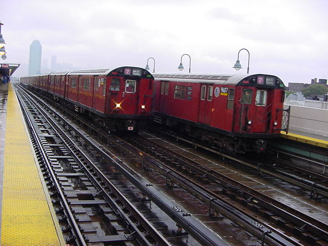 (60k, 640x480)<br><b>Country:</b> United States<br><b>City:</b> New York<br><b>System:</b> New York City Transit<br><b>Line:</b> IRT Flushing Line<br><b>Location:</b> 40th Street/Lowery Street <br><b>Route:</b> 7<br><b>Car:</b> R-36 World's Fair (St. Louis, 1963-64) 9607 <br><b>Photo by:</b> Salaam Allah<br><b>Date:</b> 9/26/2002<br><b>Viewed (this week/total):</b> 0 / 2567