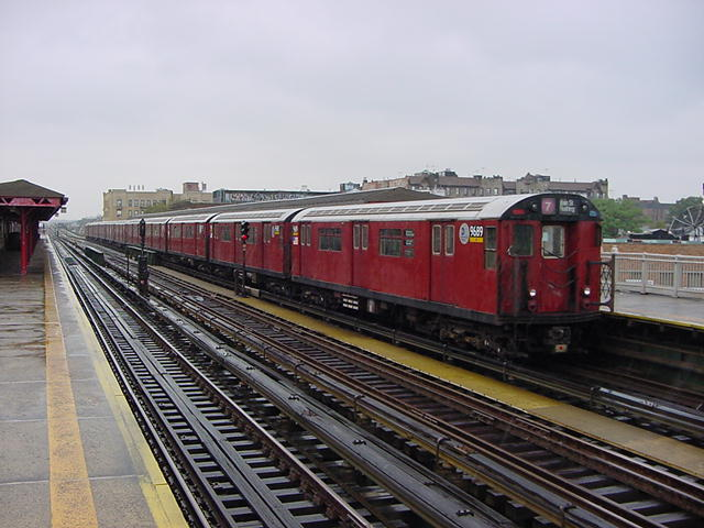 (60k, 640x480)<br><b>Country:</b> United States<br><b>City:</b> New York<br><b>System:</b> New York City Transit<br><b>Line:</b> IRT Flushing Line<br><b>Location:</b> 90th Street/Elmhurst Avenue <br><b>Route:</b> 7<br><b>Car:</b> R-36 World's Fair (St. Louis, 1963-64) 9689 <br><b>Photo by:</b> Salaam Allah<br><b>Date:</b> 9/26/2002<br><b>Viewed (this week/total):</b> 0 / 2357