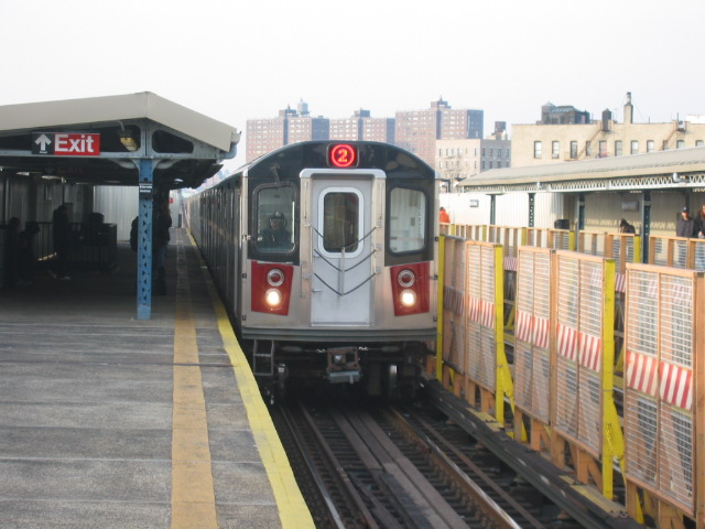 (103k, 640x480)<br><b>Country:</b> United States<br><b>City:</b> New York<br><b>System:</b> New York City Transit<br><b>Line:</b> IRT White Plains Road Line<br><b>Location:</b> Intervale Avenue <br><b>Route:</b> 2<br><b>Car:</b> R-142 (Primary Order, Bombardier, 1999-2002)  6736 <br><b>Photo by:</b> Oren H.<br><b>Date:</b> 11/29/2002<br><b>Viewed (this week/total):</b> 4 / 4974