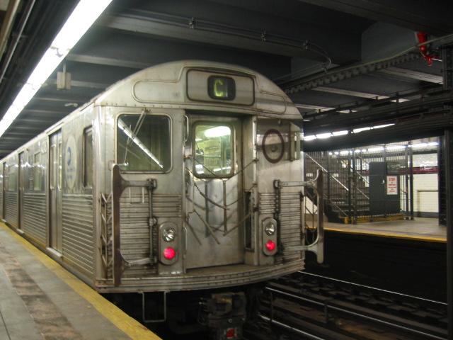 (105k, 640x480)<br><b>Country:</b> United States<br><b>City:</b> New York<br><b>System:</b> New York City Transit<br><b>Line:</b> IND 8th Avenue Line<br><b>Location:</b> 168th Street <br><b>Route:</b> C<br><b>Car:</b> R-38 (St. Louis, 1966-1967)  4076 <br><b>Photo by:</b> Oren H.<br><b>Date:</b> 8/6/2002<br><b>Viewed (this week/total):</b> 6 / 4491