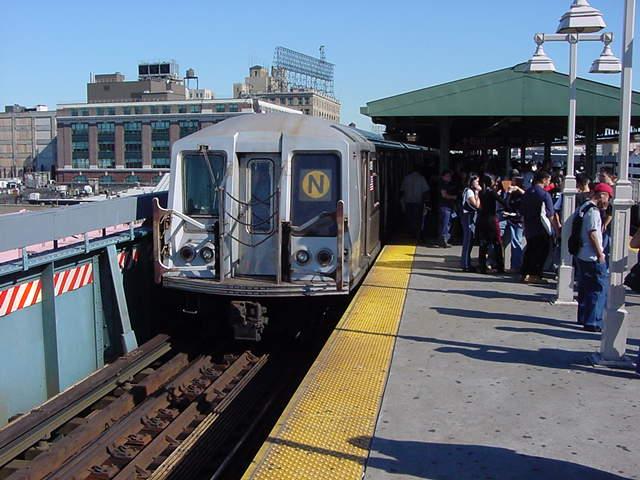 (61k, 640x480)<br><b>Country:</b> United States<br><b>City:</b> New York<br><b>System:</b> New York City Transit<br><b>Line:</b> BMT Astoria Line<br><b>Location:</b> Queensborough Plaza <br><b>Route:</b> N<br><b>Car:</b> R-40 (St. Louis, 1968)   <br><b>Photo by:</b> Salaam Allah<br><b>Date:</b> 9/18/2002<br><b>Viewed (this week/total):</b> 1 / 3371