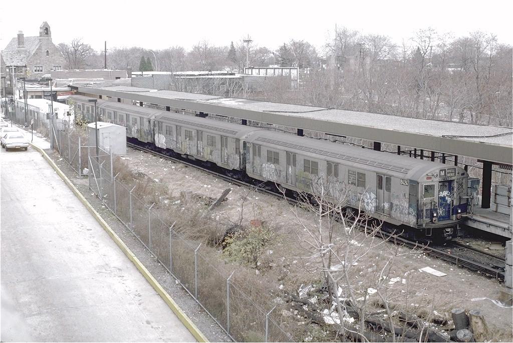 (247k, 1024x685)<br><b>Country:</b> United States<br><b>City:</b> New York<br><b>System:</b> New York City Transit<br><b>Line:</b> BMT Myrtle Avenue Line<br><b>Location:</b> Metropolitan Avenue <br><b>Route:</b> M<br><b>Car:</b> R-30 (St. Louis, 1961) 8424 <br><b>Photo by:</b> Doug Grotjahn<br><b>Collection of:</b> Joe Testagrose<br><b>Date:</b> 11/23/1980<br><b>Viewed (this week/total):</b> 7 / 5401