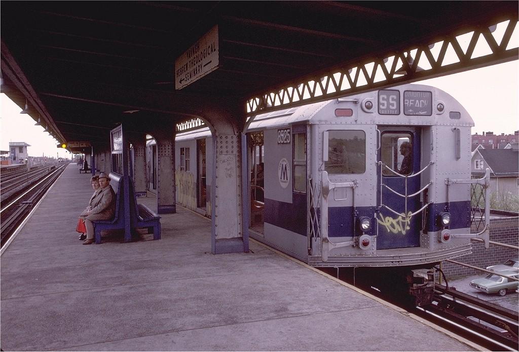 (223k, 1024x695)<br><b>Country:</b> United States<br><b>City:</b> New York<br><b>System:</b> New York City Transit<br><b>Line:</b> BMT Culver Line<br><b>Location:</b> Ditmas Avenue-Shuttle<br><b>Route:</b> Culver Shuttle<br><b>Car:</b> R-30 (St. Louis, 1961) 8525 <br><b>Photo by:</b> Doug Grotjahn<br><b>Collection of:</b> Joe Testagrose<br><b>Date:</b> 5/3/1975<br><b>Viewed (this week/total):</b> 1 / 3864