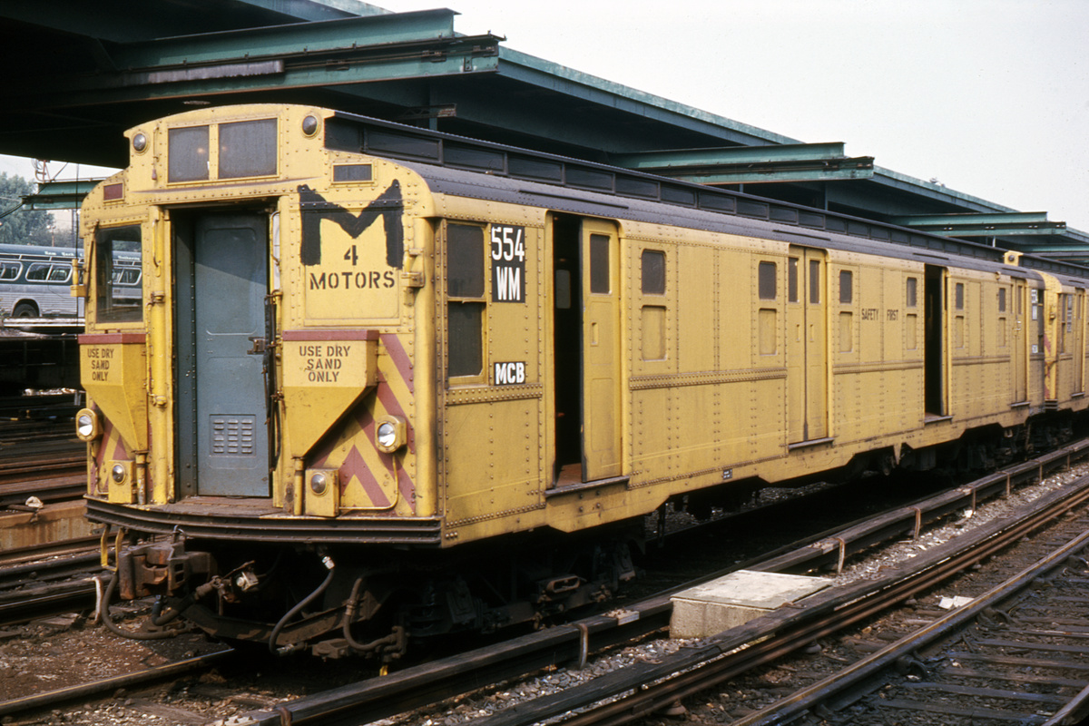 (389k, 1024x682)<br><b>Country:</b> United States<br><b>City:</b> New York<br><b>System:</b> New York City Transit<br><b>Location:</b> 36th Street Yard<br><b>Car:</b> R-4 (American Car & Foundry, 1932-1933) 554 (ex-475)<br><b>Photo by:</b> Ed Davis, Sr.<br><b>Collection of:</b> David Pirmann<br><b>Date:</b> 8/1972<br><b>Viewed (this week/total):</b> 1 / 3252