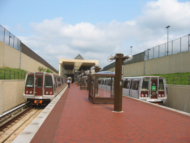 (88k, 640x480)<br><b>Country:</b> United States<br><b>City:</b> Washington, D.C.<br><b>System:</b> Washington Metro (WMATA)<br><b>Line:</b> WMATA Green Line<br><b>Location:</b> Branch Avenue<br><b>Car:</b> WMATA 5000-Series (CAF) 5091 <br><b>Photo by:</b> Oren H.<br><b>Date:</b> 8/18/2003<br><b>Notes:</b> With Rohr 1117<br><b>Viewed (this week/total):</b> 2 / 3346