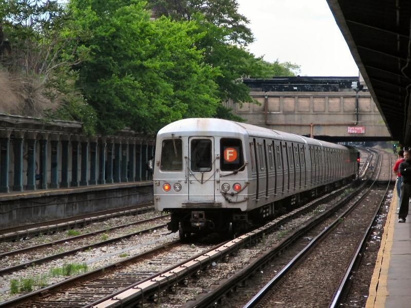 (128k, 800x600)<br><b>Country:</b> United States<br><b>City:</b> New York<br><b>System:</b> New York City Transit<br><b>Line:</b> BMT Sea Beach Line<br><b>Location:</b> Fort Hamilton Parkway <br><b>Route:</b> F<br><b>Car:</b> R-46 (Pullman-Standard, 1974-75) 5796 <br><b>Photo by:</b> Dante D. Angerville<br><b>Date:</b> 5/31/2005<br><b>Notes:</b> F rerouted over Sea Beach line.<br><b>Viewed (this week/total):</b> 0 / 4127