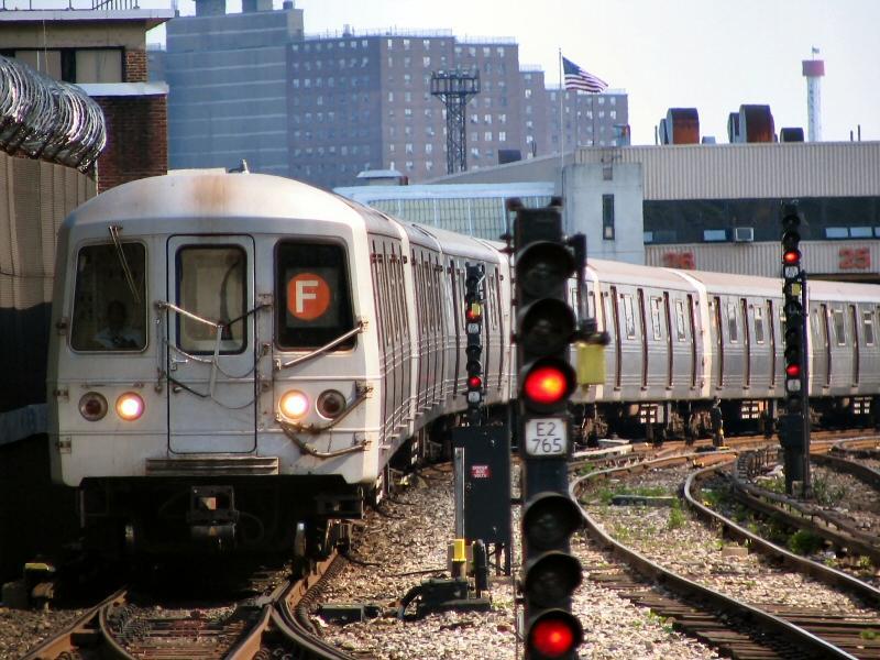 (117k, 800x600)<br><b>Country:</b> United States<br><b>City:</b> New York<br><b>System:</b> New York City Transit<br><b>Line:</b> BMT Sea Beach Line<br><b>Location:</b> 86th Street <br><b>Route:</b> F<br><b>Car:</b> R-46 (Pullman-Standard, 1974-75) 5966 <br><b>Photo by:</b> Dante D. Angerville<br><b>Date:</b> 5/31/2005<br><b>Notes:</b> F rerouted over Sea Beach line.<br><b>Viewed (this week/total):</b> 3 / 4329