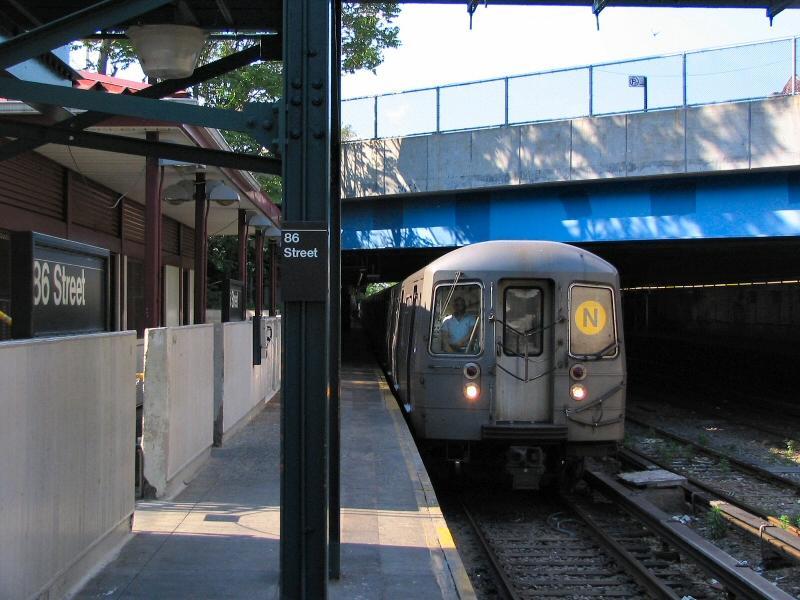 (97k, 800x600)<br><b>Country:</b> United States<br><b>City:</b> New York<br><b>System:</b> New York City Transit<br><b>Line:</b> BMT Sea Beach Line<br><b>Location:</b> 86th Street <br><b>Route:</b> N<br><b>Car:</b> R-68/R-68A Series (Number Unknown)  <br><b>Photo by:</b> Dante D. Angerville<br><b>Date:</b> 5/31/2005<br><b>Viewed (this week/total):</b> 2 / 3858