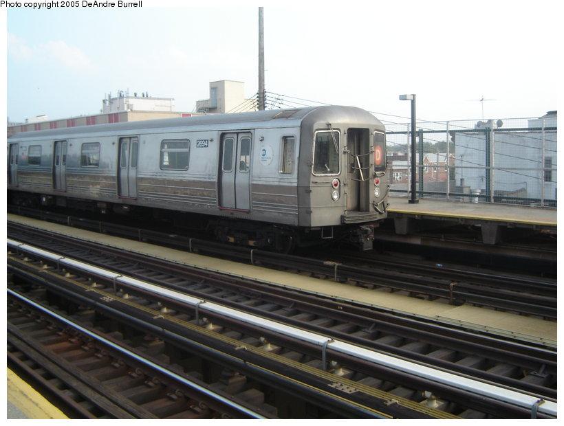 (109k, 820x620)<br><b>Country:</b> United States<br><b>City:</b> New York<br><b>System:</b> New York City Transit<br><b>Line:</b> BMT West End Line<br><b>Location:</b> 25th Avenue <br><b>Route:</b> D<br><b>Car:</b> R-68 (Westinghouse-Amrail, 1986-1988)  2694 <br><b>Photo by:</b> DeAndre Burrell<br><b>Date:</b> 7/27/2005<br><b>Viewed (this week/total):</b> 0 / 3133
