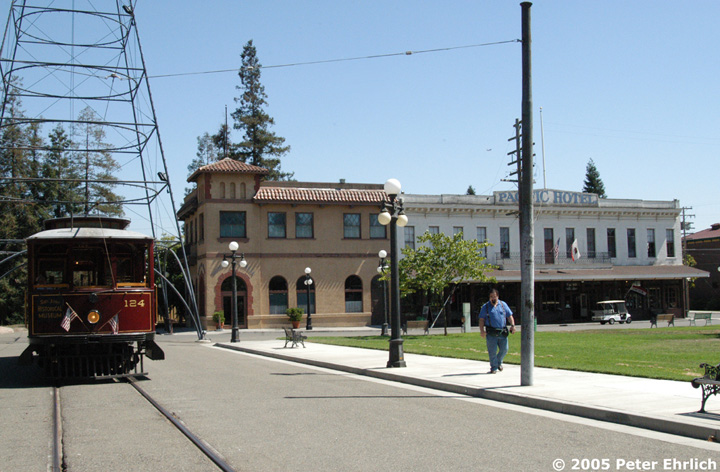 (149k, 720x472)<br><b>Country:</b> United States<br><b>City:</b> San Jose, CA<br><b>System:</b> Kelley Park Vintage Trolley <br><b>Car:</b>  124 <br><b>Photo by:</b> Peter Ehrlich<br><b>Date:</b> 7/30/2005<br><b>Notes:</b> At the San Jose Light Tower replica.<br><b>Viewed (this week/total):</b> 5 / 1773