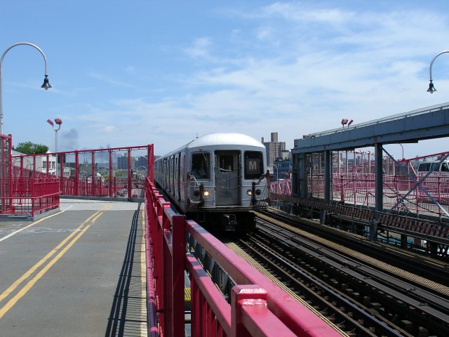 (85k, 640x480)<br><b>Country:</b> United States<br><b>City:</b> New York<br><b>System:</b> New York City Transit<br><b>Line:</b> BMT Nassau Street/Jamaica Line<br><b>Location:</b> Williamsburg Bridge<br><b>Route:</b> M<br><b>Photo by:</b> Kevin Lee<br><b>Date:</b> 6/20/2005<br><b>Notes:</b> Manhattan-bound M train on the Williamsburg Bridge.<br><b>Viewed (this week/total):</b> 0 / 3113