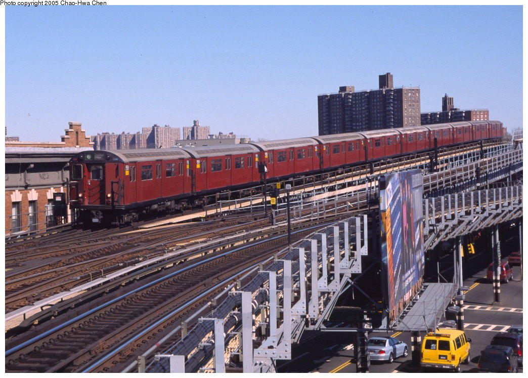 (200k, 1044x747)<br><b>Country:</b> United States<br><b>City:</b> New York<br><b>System:</b> New York City Transit<br><b>Line:</b> IRT Pelham Line<br><b>Location:</b> Westchester Square <br><b>Route:</b> 6<br><b>Car:</b> R-36 World's Fair (St. Louis, 1963-64) 9518 <br><b>Photo by:</b> Chao-Hwa Chen<br><b>Date:</b> 3/6/2000<br><b>Viewed (this week/total):</b> 0 / 4512
