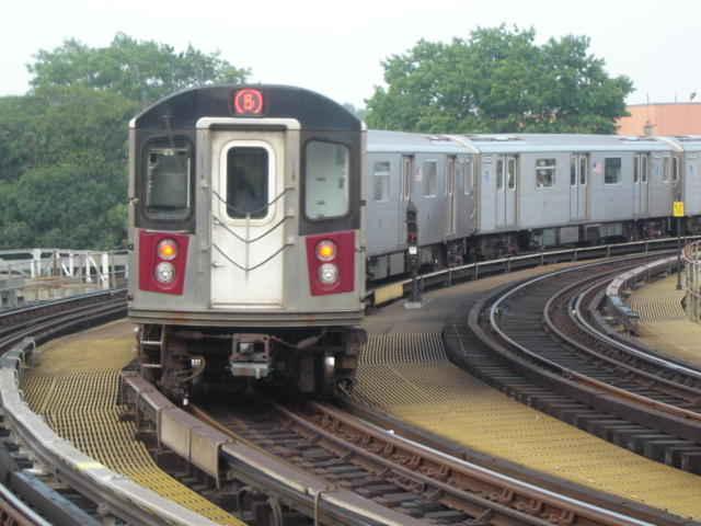 (60k, 640x480)<br><b>Country:</b> United States<br><b>City:</b> New York<br><b>System:</b> New York City Transit<br><b>Line:</b> IRT White Plains Road Line<br><b>Location:</b> West Farms Sq./East Tremont Ave./177th St. <br><b>Route:</b> 5<br><b>Car:</b> R-142 or R-142A (Number Unknown)  <br><b>Photo by:</b> DeAndre Burrell<br><b>Date:</b> 8/12/2005<br><b>Viewed (this week/total):</b> 0 / 4014