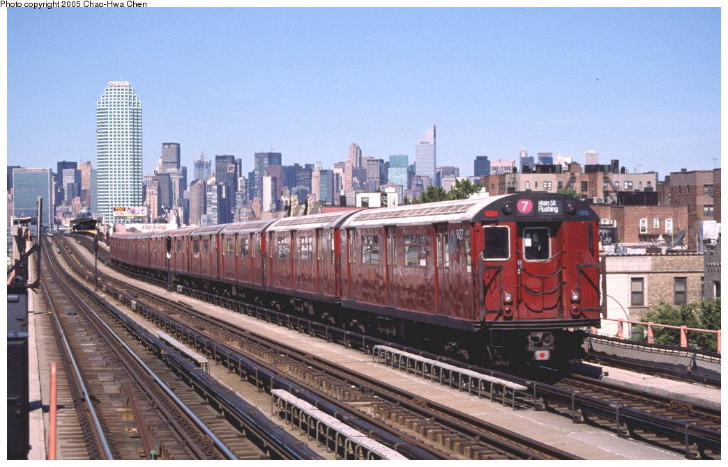 (171k, 1044x671)<br><b>Country:</b> United States<br><b>City:</b> New York<br><b>System:</b> New York City Transit<br><b>Line:</b> IRT Flushing Line<br><b>Location:</b> 46th Street/Bliss Street <br><b>Route:</b> 7<br><b>Car:</b> R-36 World's Fair (St. Louis, 1963-64) 9437 <br><b>Photo by:</b> Chao-Hwa Chen<br><b>Date:</b> 8/9/1999<br><b>Viewed (this week/total):</b> 0 / 4107