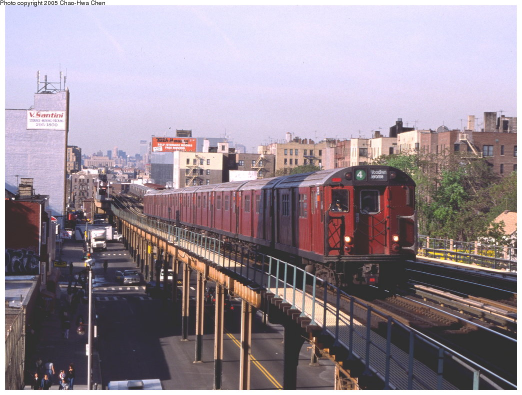 (181k, 1044x789)<br><b>Country:</b> United States<br><b>City:</b> New York<br><b>System:</b> New York City Transit<br><b>Line:</b> IRT Woodlawn Line<br><b>Location:</b> Fordham Road <br><b>Route:</b> 4<br><b>Car:</b> R-33 Main Line (St. Louis, 1962-63) 9281 <br><b>Photo by:</b> Chao-Hwa Chen<br><b>Date:</b> 5/11/1999<br><b>Viewed (this week/total):</b> 1 / 5209