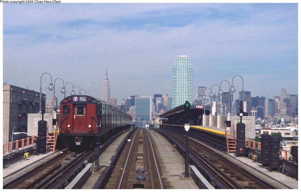 (138k, 1044x669)<br><b>Country:</b> United States<br><b>City:</b> New York<br><b>System:</b> New York City Transit<br><b>Line:</b> IRT Flushing Line<br><b>Location:</b> 40th Street/Lowery Street <br><b>Route:</b> 7<br><b>Car:</b> R-36 World's Fair (St. Louis, 1963-64) 9593 <br><b>Photo by:</b> Chao-Hwa Chen<br><b>Date:</b> 7/12/1999<br><b>Viewed (this week/total):</b> 2 / 3945