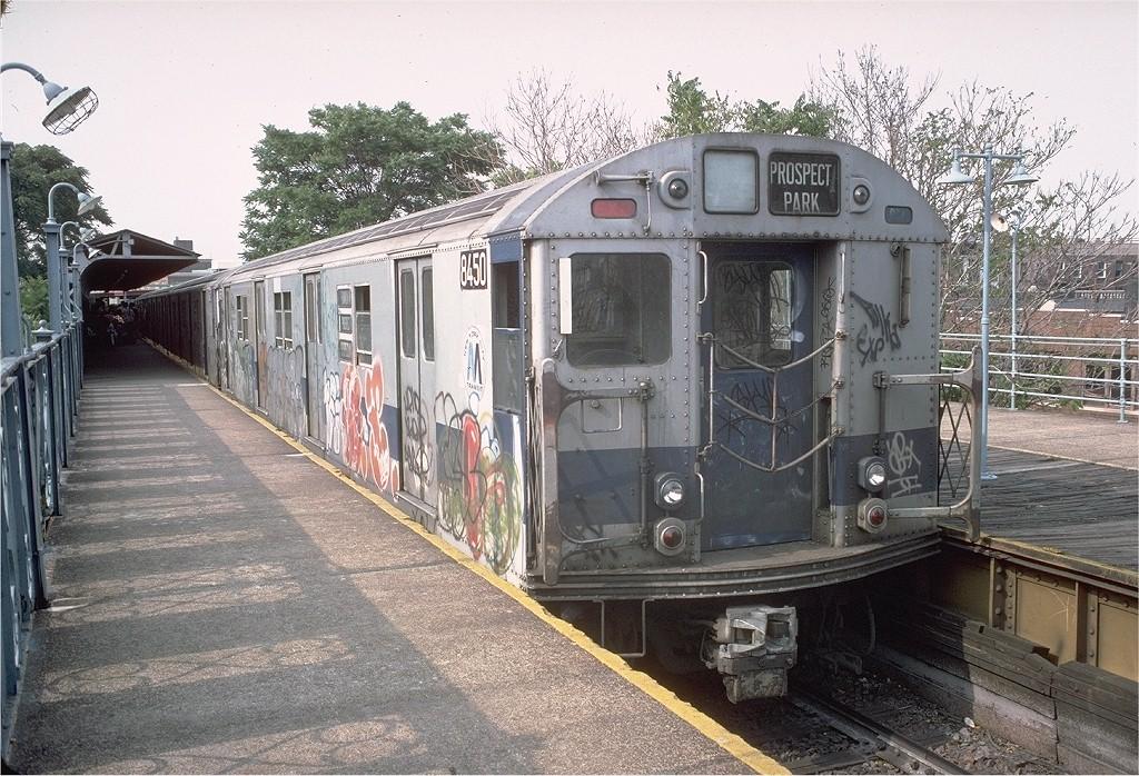 (268k, 1024x698)<br><b>Country:</b> United States<br><b>City:</b> New York<br><b>System:</b> New York City Transit<br><b>Line:</b> BMT Franklin<br><b>Location:</b> Franklin Avenue <br><b>Route:</b> Franklin Shuttle<br><b>Car:</b> R-30 (St. Louis, 1961) 8450 <br><b>Photo by:</b> Doug Grotjahn<br><b>Collection of:</b> Joe Testagrose<br><b>Date:</b> 6/18/1977<br><b>Viewed (this week/total):</b> 2 / 3745