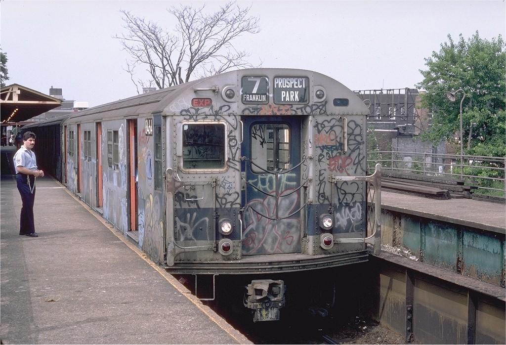 (252k, 1024x698)<br><b>Country:</b> United States<br><b>City:</b> New York<br><b>System:</b> New York City Transit<br><b>Line:</b> BMT Franklin<br><b>Location:</b> Franklin Avenue <br><b>Route:</b> Franklin Shuttle<br><b>Car:</b> R-30 (St. Louis, 1961) 8464 <br><b>Photo by:</b> Steve Zabel<br><b>Collection of:</b> Joe Testagrose<br><b>Date:</b> 7/11/1982<br><b>Viewed (this week/total):</b> 1 / 3976